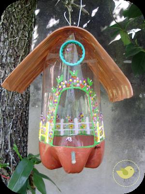 casa pájaros botella