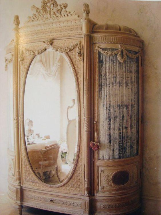 casa y diseño con espejo
