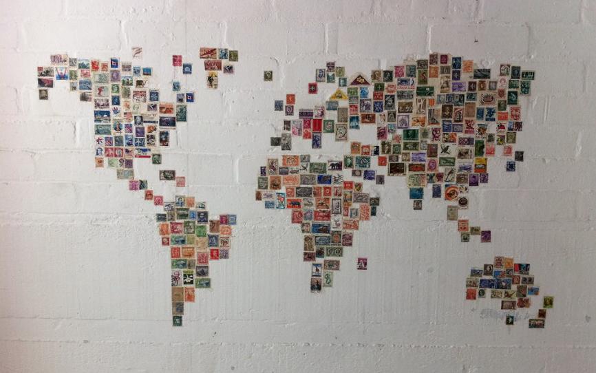 mapa del mundo con sellos