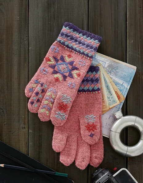 roosmine Aire's Gloves to Knit by Nancy Bush