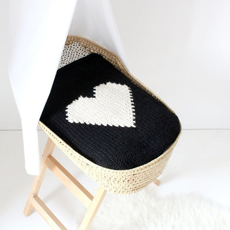 The Heart Baby Blanket Knitting Pattern by YarningMade