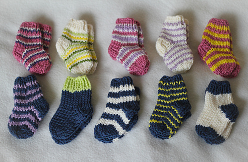 recien nacido Newborn knitted socks by Bunny Mama